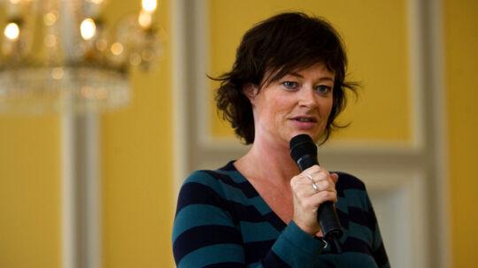 TV2s underholdningschef. Gitte Madsen, ser ikke noget forkert i, at kanalen har valgt at udelukke SE og HØR fra dækningen af Vild med dans.