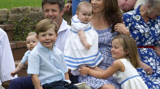 Kronprins Frederik og børnene Christian, Isabella, Vincent og Josephine er de fem første i tronkøen.
