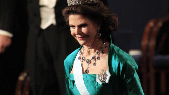 Dronning Silvia er kommet i modvind i de svenske medier efter, at det er kommet frem, athun har sendt et brev til tv-chefen for TV4, hvor hun stiller spørgsmålstegn ved et tv-program, der portrætterer hendes fars nazi-forbindelser.
