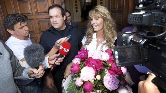 Anni Fønsby ved retten i Odense onsdag den 1. juni 2011. Anni Fønsby er fundet skyldig i rufferi og skal i fængsel i et år og seks måneder, fastslår Østre Landsret. Dermed nedsættes fængselsstraffen med et halvt år.