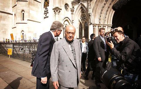 Fayed foran High Court, hvor han har vidnet i sagen om Prinsesse Diana og sønnen Dodi.