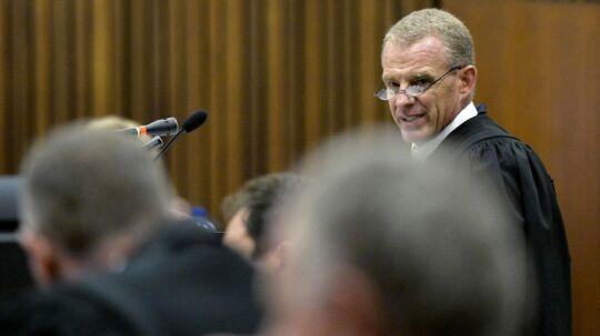 Gerrie Nel er en af Sydafrikas topadvokater. Han er manden, der skal få Oscar Pistorius dømt for drabet på OL-løberens kæreste.