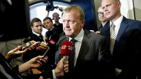 Venstres Lars Løkke Rasmussen ankommer til forhandlinger om regeringens skatteudspil i Finansministeriet tirsdag 29. maj 2012. Siden forlod Venstre forhandlingerne. Nu er de imidlertid klar til at vende tilbage igen.