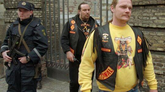 Bandidos-præsident Michael Rosenvold, der her er fotograferet i 1997 i gul trøje, kan ikke forestille sig, at hans medlemmer skulle have truet de tre unge, der er sigtet for Jon-drabet.