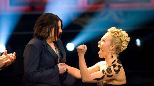 Lina Rafn jubler, da hendes deltager bliver kåret som vinder.