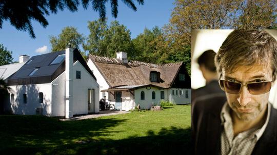 Det idylliske hjem i Farum, hvor arbejdsværelset er prydet med Velux-vinduer.
