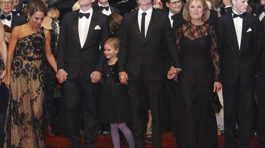 Holdet bag 'Jagten' på den røde løber i Cannes.