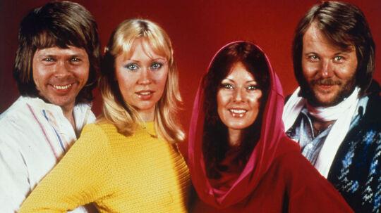 Fra venstre mod højre ses ABBAs fire medlemmer Björn Ulvæus, Agnetha Fältskog, Anni-Frid Lyngstad og Benny Andersson. Agnetha Fältskog løfter nu sløret for, hvordan en af popgruppens hits blev indspillet.
