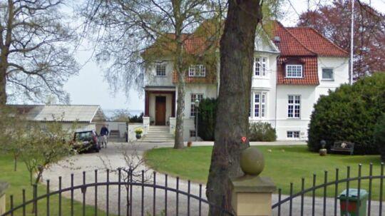 Det er denne bolig, der nu er sat til salg.