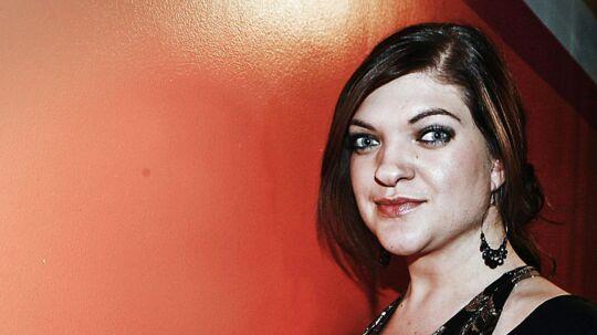 Laura Kjærgaard fra den første sæson af X Factor synes, at meget af underholdningsværdien i programmet er spild af danskernes licenspenge.