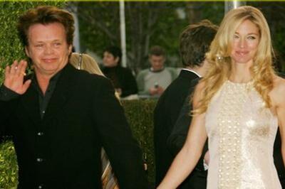 Efter 20 års ægteskab er det slut imellem John Mellencamp og hans modelkone Elaine