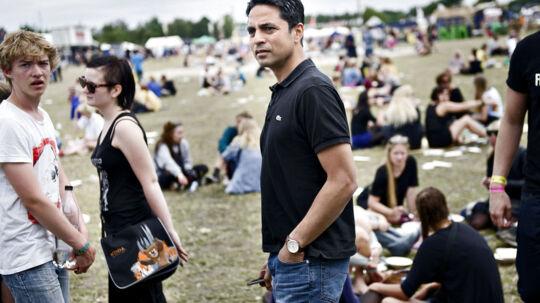 Ligestillings- og kirkeminister Manu Sareen (R)har aldrig været på Roskilde Festival før og er overvældetover, hvor stort, det er.