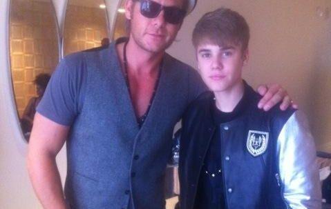 Nu går den canadiske megastjerne Justin Bieber også med danske Janniks smykker