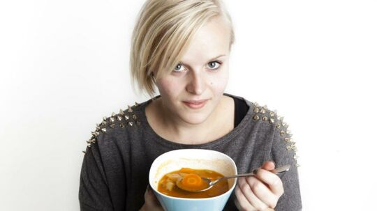 Stine Kjærside er på kur med kålsuppe.