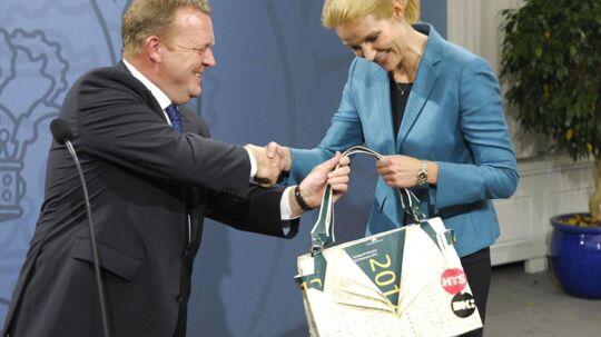Landets nye statsminister er netop blevet beriget med en ny designertaske. Men denne gang er det en lidt anderledes en af slagsen.