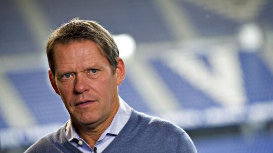 Frank Arnesen bekræfter, at han har ført samtaler med FC Københavns direktør Anders Hørsholt. Han afviser dog at være i konkrete forhandlinger med klubben om et job - lige nu.