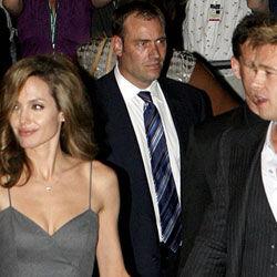 Brad Pitt og Angelina Jolies toårige adoptivdatter Zahara lider af hoftedysplasi