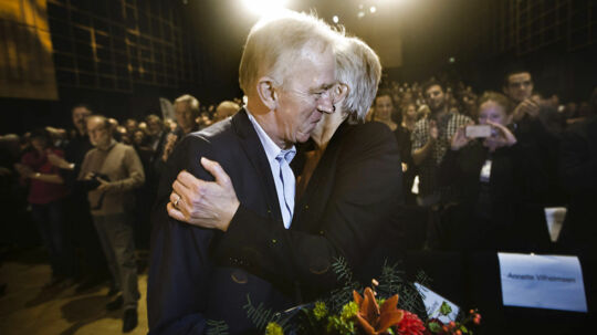 Villy Søvndal siger, at Annette Vilhelmsen kan blive en stor SF formand.