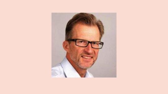 Den 60-årige journalist og kommunikationsmand Svend Bie sætter sig i næste uge i direktørstolen for brancheforeningen Dansk Facility Management netværk (DMF).