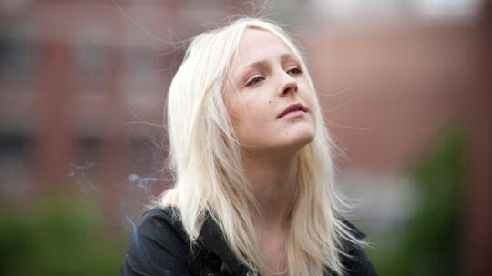 Den blot 21-årige Laura Marling udsender allerede nu sit tredje album, der er en moden (på den gode måde) og vedkommende opdatering af hendes udtryk.