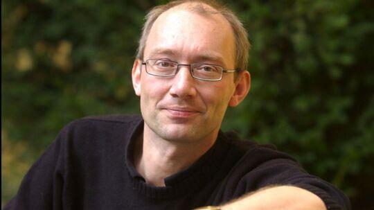 Radiovært og politisk kommentator, Niels Krause-Kjær, udsatte i går sin gæst for lidt buksevand i programmet 'Krause på Tværs'.