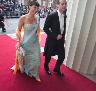 Den norske prinsesse Märtha Louise, der her ses sammen med manden Ari Behn ved kronprinsesse Mary og kronprins Frederiks bryllup, skal til sommer optræde i et svensk radioprogram.<br>Foto: Jeppe Michael Jensen