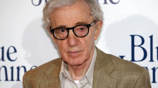 Woody Allen kalder nu adoptivdatterens anklager for direkte løgn.