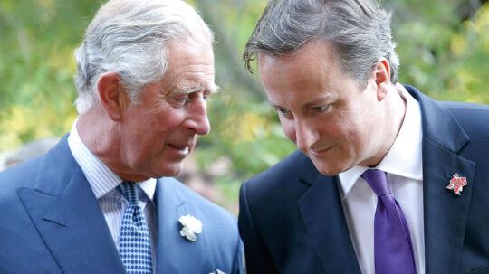 Prins Charles, der her ses i samtale med premierminister David Cameron, vil ikke have, at hans breve til centraladministrationen bliver offentliggjort.