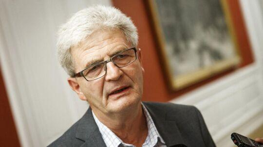 Skatteminister Holger K. Nielsen er klar til at gribe ind over for, at danskerne kan opnå skattefradrag i Danmark, når de investerer i grønne projekter i udlandet.