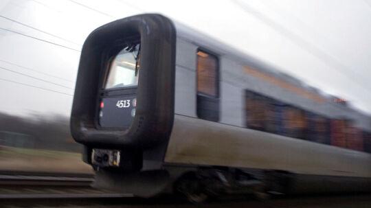 Mand død efter at være klemt mellem perron og tog på Roskilde Station. Arkivbillede.