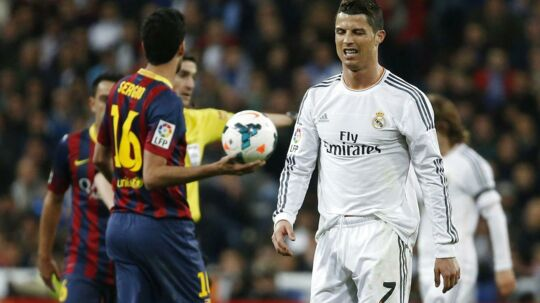 Cristiano Ronaldo var rasende over dommeren, som tilkendte Barcelona to straffespark. Han er sikker på, at Real Madrid er ofre for en stor konspiration.