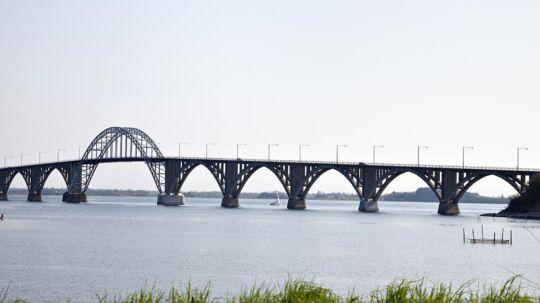 Dronning Alexandrines Bro (også kaldet Mønbroen).