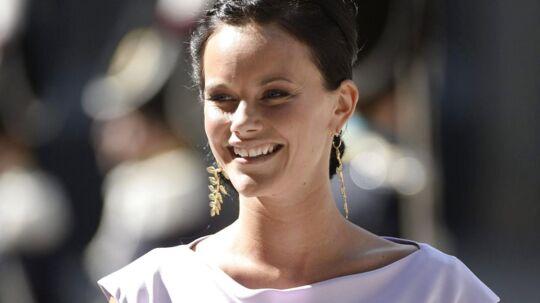 B.dk har fundet en række billeder af de svenske kongelige kvinder i galla og hvor de bærer forskellige diademer. Scroll dig igennem artiklen og se, hvilket diadem du synes, Sofia skal have lov til at bære på sin bryllupsdag.