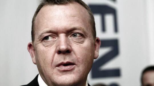 Lars Løkke Rasmussen var selv ude i en bilagssag i 2008, men i dag støtter han ikke Fredericias borgmester der er ude i en lignende sag.