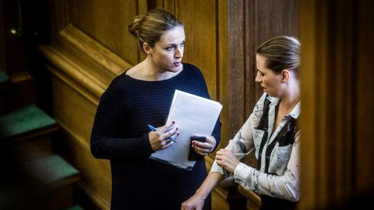 Her ses afgående justitsminister Karen Hækkerup og beskæftigelsesminister Mette Frederiksen.