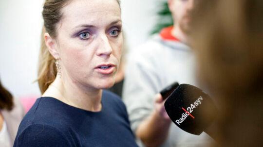 Den nu tidligere justitsminister Karen Hækkerups overraskende exit fra regeringen kommer efter en indædt magtkamp i ministeriet ove på den såkaldte Christania-sag, som hun har tabt til sine topembedsmænd. Det mener Dansk Folkepartis Peter Skaarup.