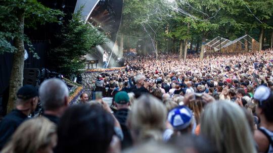 Rasmus Seebach på Bøgescenen, lørdag på Skanderborg Festival 2014. Fremover kan man måske opleve kunstnerne to uger i træk i Bøgeskoven.