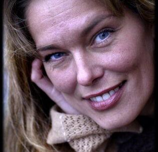 Topmodellen Renée Toft Simonsen er forfatter til 'Karlas svære valg' og udgiver i slutningen af maj to nye børnebøger. Foto: Brian Rasmussen