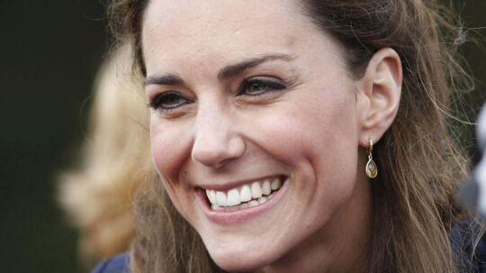 Se og Hør trykker særtillæg med topløs Kate. (Foto: POOL/Scanpix 2012)