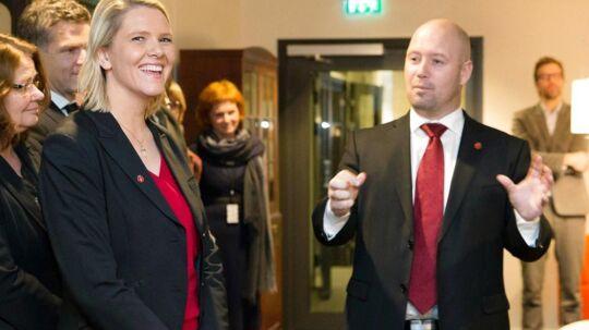 Integrationsminister Sylvi Listhaug sammen med justitsminister Anders Anundsen under præsentationen af de nye norske ministre.