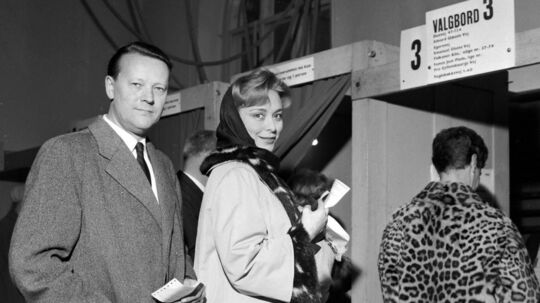 Jens Otto Krag var i den grad i valgkamphumør i 1964. Hele 52 dage varede folketingsvalgkampen det år.