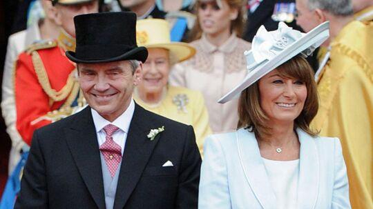 Smilene var store hos Michael og Carole Middleton, da de sidste år overværede, at deres ældste datter blev gift med prins William.