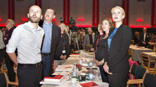 Partisekretær Lars Midtiby (forrest tv.) mener, der er god grund til at sende et politisk budskab ud med posten.