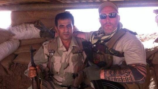 »Ron« fra den hollandske rockerklub No Surrender har sluttet sig til kurdiske styrker i Irak og kæmper mod Islamisk Stat. Foto fra Twitter.