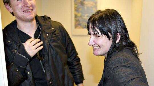 Tina Jensen fik fire års fængsel i Brønderslevsagen. Her er hun med sønnen Martin. Hun forventer en hård tid i fængslet, men er parat til at slå fra sig, siger hun.