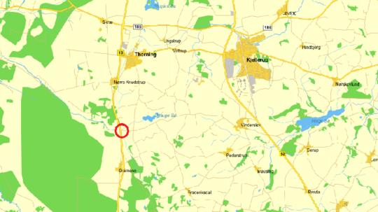 Ulykken skete, da en bil svinger ud fra Haugevej, som, ifølge vidner på stedet, overser motorcyklisten, der kører i nordgående retning ad Aalborgvej.