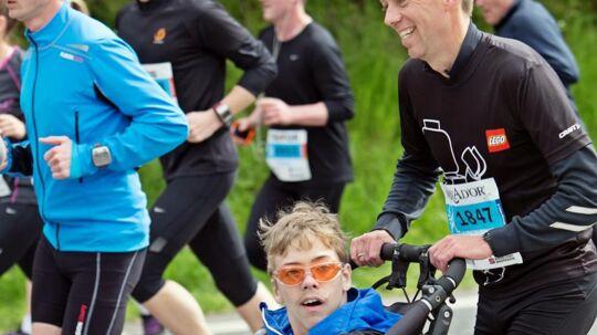 Jacob har sammen med sin far deltaget i Lillebælt Halvmaraton de sidste fire år. Foto: Privatfoto