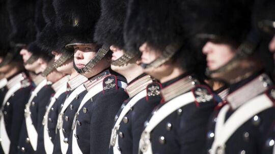 Dronning Margrethe uddelte onsdag »Dronningens ur« til den intetanende garder Frederik Marquard Nielsen. Klik viderefor, at se billeder fra paraden og prisoverrækkelsen.