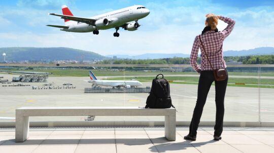 Man risikerer at blive afvist ved indtjek, hvis navnet på flybilletten ikke stemmer overens med navnet i ens pas.