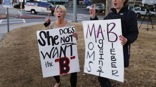 Demonstrationen mod Justin Biebers flytning var et medie-stunt.
